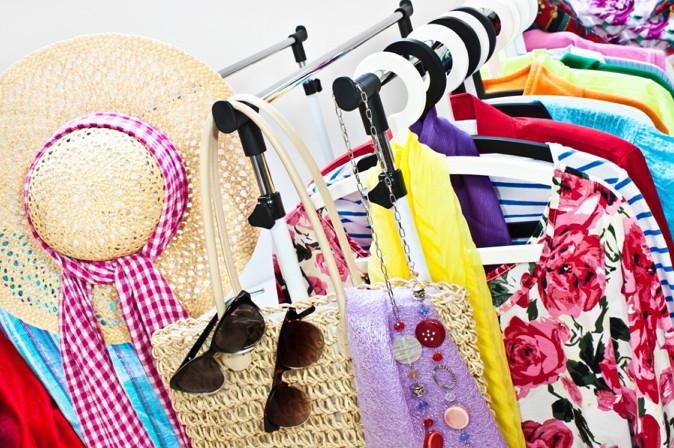 C mo vender ropa por internet 3 opciones de venta for Articulos de decoracion por catalogo